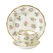 Чайный набор «Spring Meadow1920 гг.» Royal Doulton  коллекция 100 Years of Royal Albert