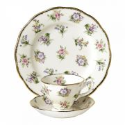 Чайный набор  Spring Meadow. 1920 гг. Royal Doulton  коллекция 100 Years of Royal Albert